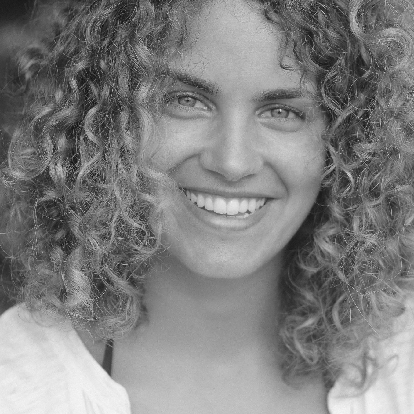Picture of Eve, our co-founder and British Mandarin-speaking guide